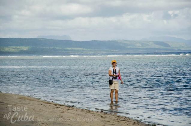 At Manglito beach, Baracoa / En la playa Manglito de Baracoa.