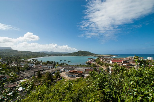 View of Baracoa´s bay. / Vista de la Bahía de Baracoa
