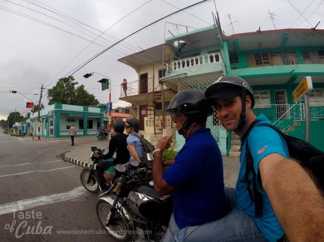 On bike through Guantánamo city / En moto por la ciudad de Guantánamo