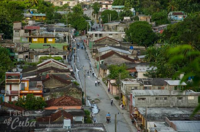 Aereal view of Baracoa fron the Castillo Hotel / Vista de Baracoa desde el Hotel Castillo