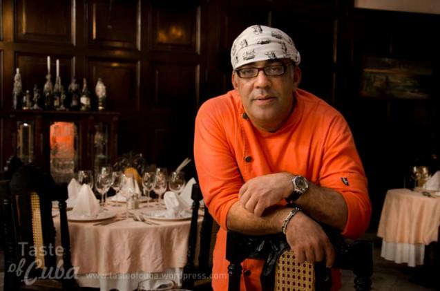 My friends criticize me because I still call myself a chef / Mis amigos me critican porque me sigo denominando cocinero