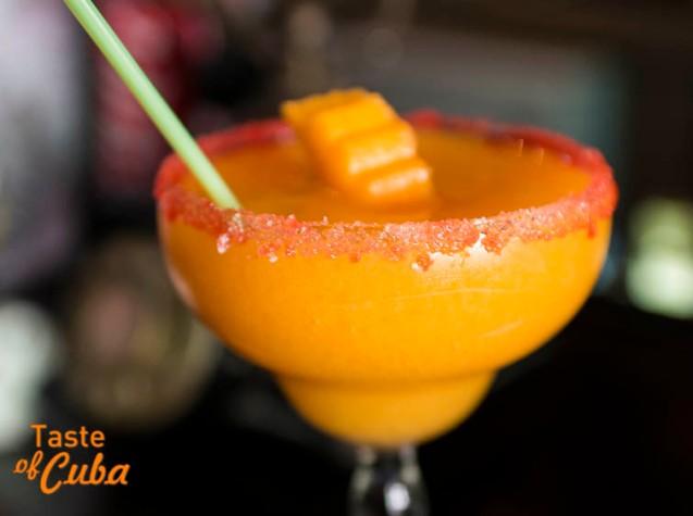 Margarita de mango. Cóctel frapeado para aperitivo o entretiempo.  Foto: Alain L.Gutiérrez Almeida