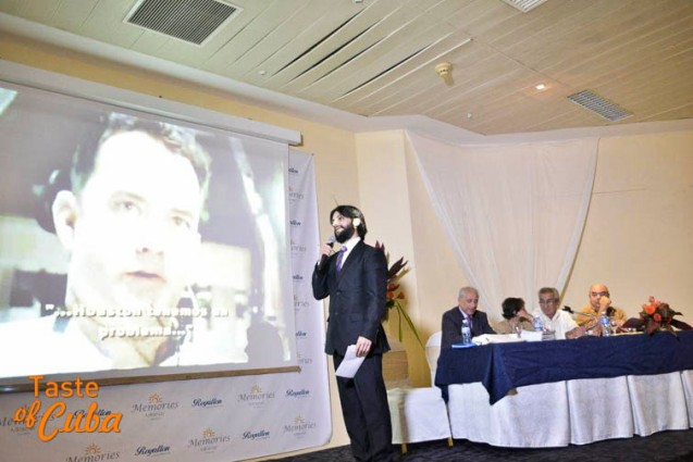 Pablo Márquez, carismático, agudo periodista y académico de la Gastronomía en España / Foto: FERVAL