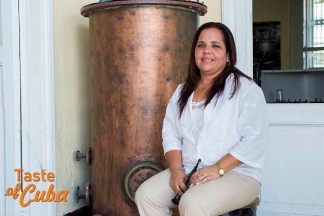 Aspirante a Maestra Ronera María Caridad Portuondo González. Ronera de Santiago de Cuba